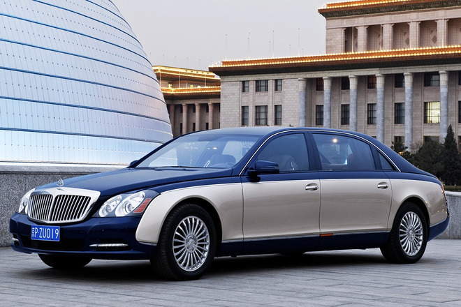 maybach-62-s-white-blue-city-side-view-3840x2400
